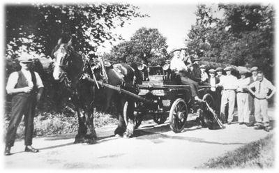 Vintage horse-drawn Fire engine, North Tawton; 338