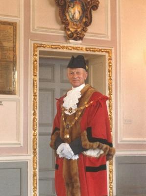 Mayor Dr. Richard Linley Norris, South Molton; Gordon Bray; 1978; 2051