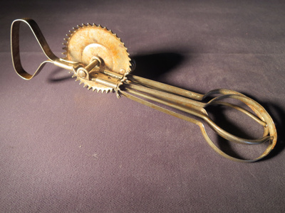 Mechanical Egg Beater; A and J Co.; 1923; 014.0152.0001