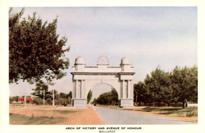 Postcard: Arch Of Victory and Avenue of Honour, Ballarat.; 83.24553
