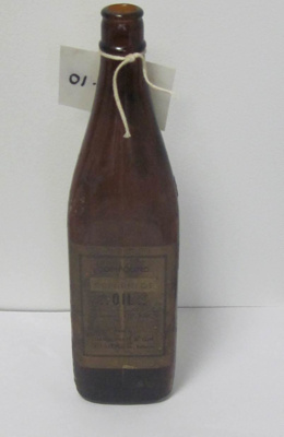 Glass Bottle; Hunter Products Pty Ltd; David Pratt & Son; 01.0081