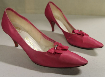 Pink shoes; Georges Ltd.; 1980s; 82.1296