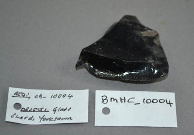 Glass sherd from York Town, Tasmania; BMHC_10004