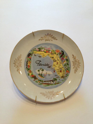 Plate, Decorative; mid- late 20th c.; 2013.1.663