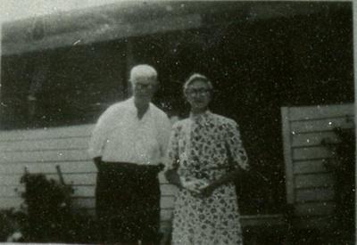 Photograph; Unknown; Circa 1936; US000418