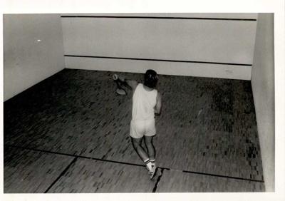 Photographs 1986- squash; 1986; 110.122