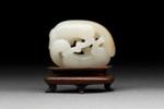 Pienoisveistos, leikkivät kissat / Miniatyrskulptur, lekande katter / Miniature sculpture, playing cats; 1644-1911 AD; DAM6370