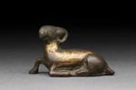 Makaava pukki / Liggande bock / Reclining ram; 206 BC-220 AD; DAM6106