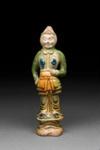 Hautaveistos, seisova soturi / Gravfigurin, stående krigare / Tomb figurine, standing warrior; 618-907 AD; DAM6253