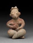 Istuva naishahmo / Figur, sittande kvinna / Figurine, seated female; 1000-600 BC; DAM7003