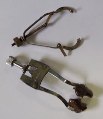 Dental: Matrix holders; AR#1894