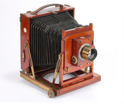 Camera and accessories; Thornton and Pickard; 1900 - 1925; 010/075