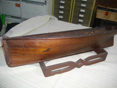 Model - Clinker sailboat ; 1897; 2460/A