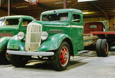 1938 Reo 1C4 truck; REO Motor Car Company; 1938; 2015.207