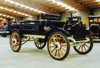 1914 Stewart 1 Ton truck; Stewart Iron Works; 1914; 2015.258