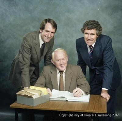Gordon Norris Real Estate; Graham Southam; 1981; 08.1377.01