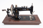 Sewing Machine, Hand Crank; Victory; 1895-1905; HP.05P0908AB