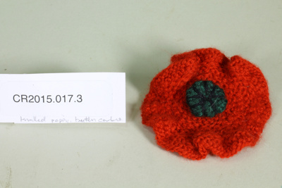 Knitted Anzac commemorative poppy; Unknown maker; c. 2015; CR2015.017.3