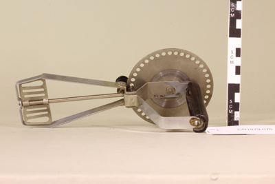 Paddle egg beater; Avon Metal Industries; Unknown; CR1979.075