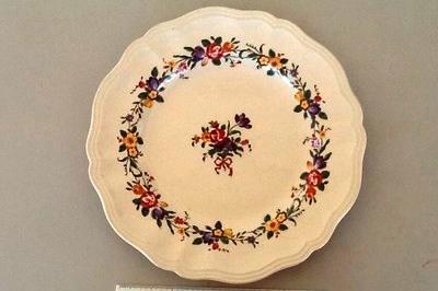 Dinner plate; Royal Doulton; c 1930; M1709