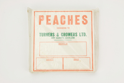 Produce labels - peaches; Turners & Growers Ltd.; 02293