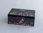 Korean lacquered box; JR00165