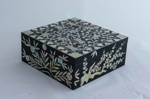 Korean lacquered box; JR00160