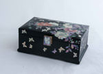Korean lacquered box; JR00167