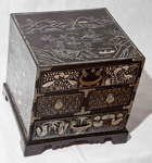 Korean lacquered accessory/jewellery box; JR00272