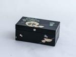 Korean lacquered box; JR00163