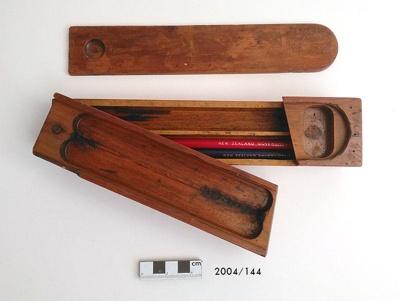 Case, Pencil; 2004/144