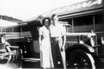 Photo -Harold and Beryl Saunders outside Laguna House at Noosa c.1940; 1940-1940; P-651-0