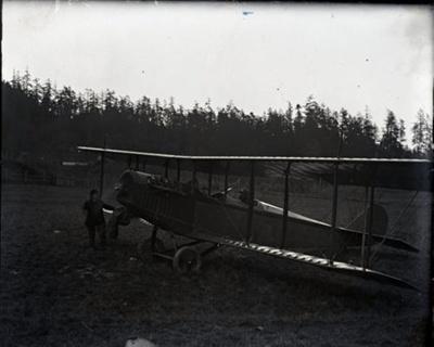 Bi-plane in field; Aitken, John; 2017.1.043