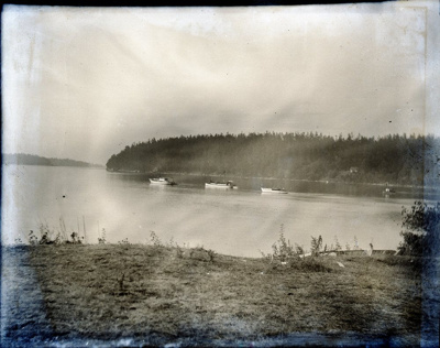 Boats in Active Pass, anchored in Miners Bay; Aitken, John; 2017.1.076