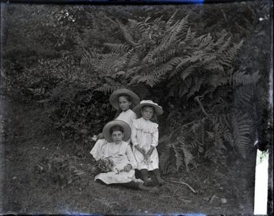 Photograph - Girls with large hats.; Aitken, John; 2017.1.310