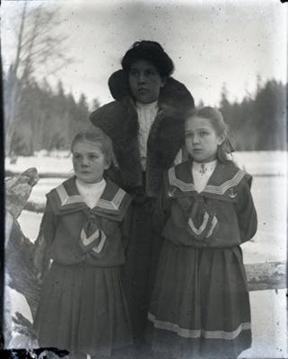 Photograph - Two women posed outside.  Ellen Georgeson (nee Aitken) and Dorothy Olson (nee Aitken).; Aitken, John; 2017.1.279