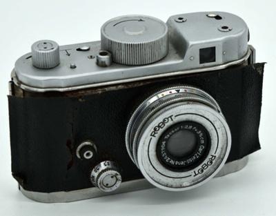 Macchina fotografica Robot II Luftwaffe - Robot II Luftwaffe Camera; Heinz Kilfitt - Schweim Germany; 1941; 01251gto001-005