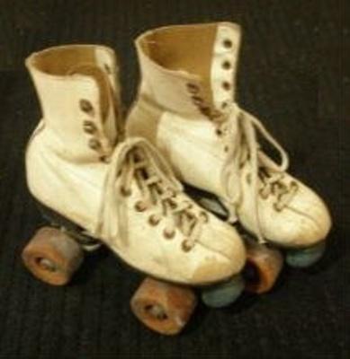 Roller skates; HHT A 10.1