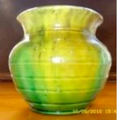 Yellow-green pot; Briar Gardner; Item SDC10455