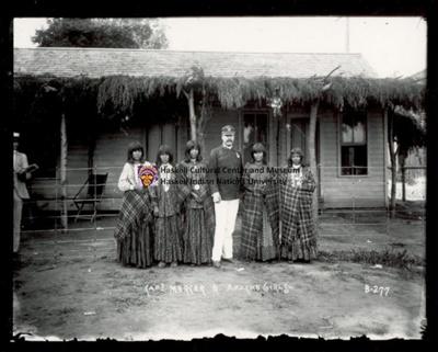 Captain Mercer and Apache Girls, Apache; Frank A. Rinehart; Undated; 1.TI.020.9