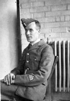 photo negative - Flight Sergeant Edmund George Hunt. GM; 1940; 2018.1.368