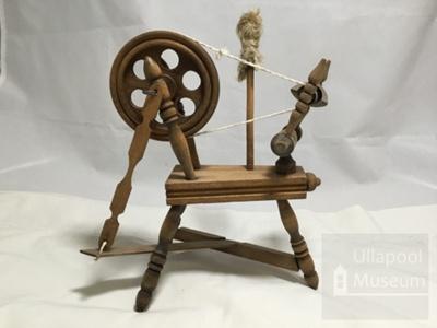 Model spinning wheel; ULM 2004 008
