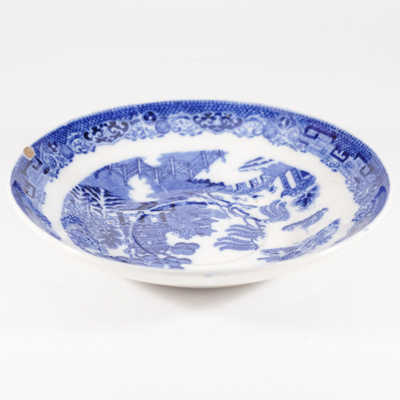 Pottery, willow pattern saucer; Wedgwood; ?; RX.2018.39.2
