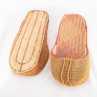 Chinese woven slippers; unknown maker; ?; RX.1998.10.1