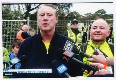 Save 229 Trees demonstration at the site of Sandringham College, Beaumaris Campus; Channel 7; 2016 Oct. 24; P12122