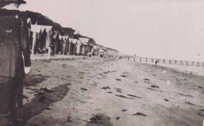 Mentone Beach; 1919; P0427