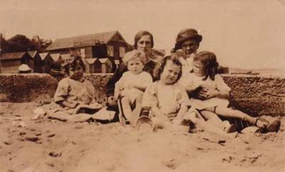 Cowmeadow family on Sandringham Beach; c. 1950; P0096